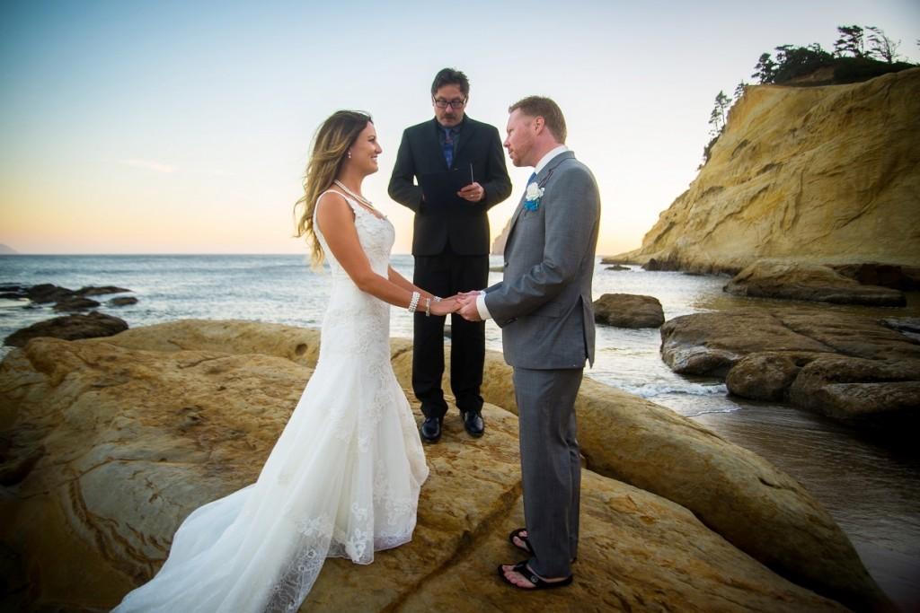 Oregon wedding on Cape Kiwanda