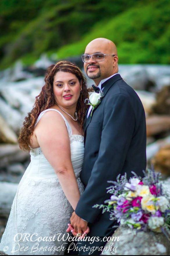 bride groom flower bouquet Oregon coast