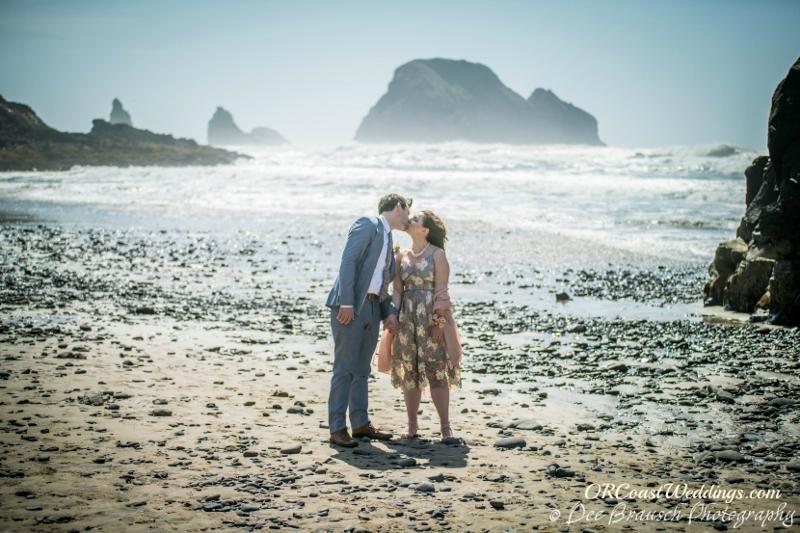 A beach elopement at Secret Beach in Oceanside